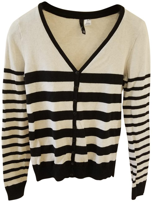 Preload https://img-static.tradesy.com/item/23938012/divided-by-h-and-m-black-sweater-women-teen-junior-clothing-cardigan-size-8-m-0-1-650-650.jpg