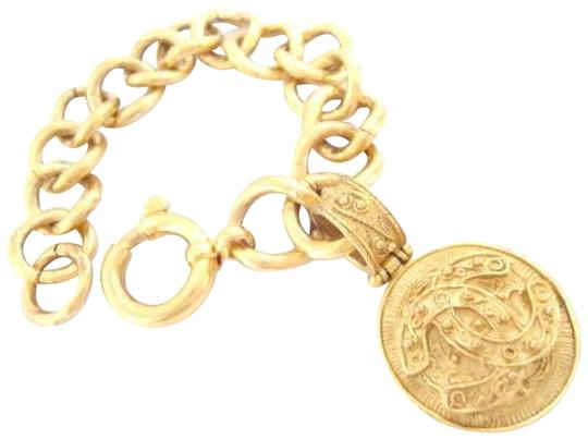 Preload https://img-static.tradesy.com/item/23938047/chanel-gold-plated-cc-logo-coins-w-chain-bracelet-0-1-540-540.jpg