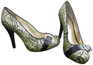 Lovely People Brocade Buckle Autumn Supermodel Sexy Gold & Black Pumps