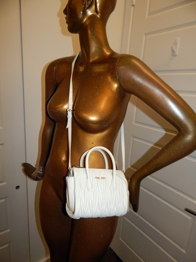 Miu Miu Matelasse Bauletto Leather Tote in White Image 1