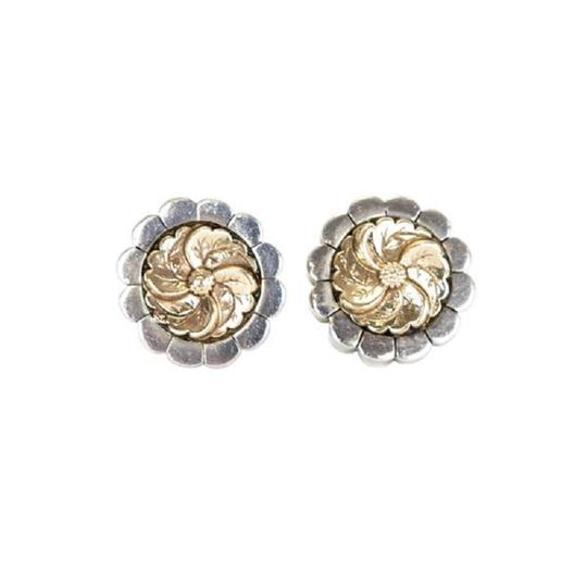 Preload https://img-static.tradesy.com/item/23938693/silver-gold-flower-clip-on-earrings-0-0-540-540.jpg