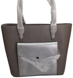 MICHAEL KORS Shoulder Leather Tote in PEARL GRAY/SILVER
