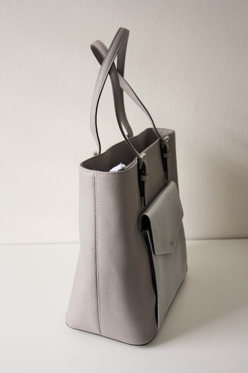 MICHAEL KORS Shoulder Leather Tote in PEARL GRAY/SILVER Image 1