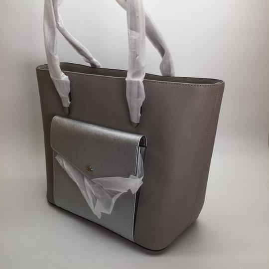 MICHAEL KORS Shoulder Leather Tote in PEARL GRAY/SILVER Image 3