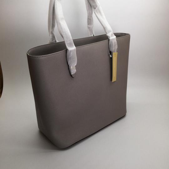 MICHAEL KORS Shoulder Leather Tote in PEARL GRAY/SILVER Image 5