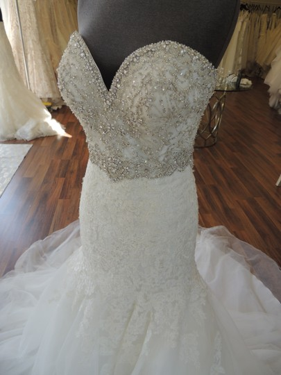 Allure Bridals Ivory Lace Organza Ab9305 Feminine Wedding Dress Size 10 (M) Image 1