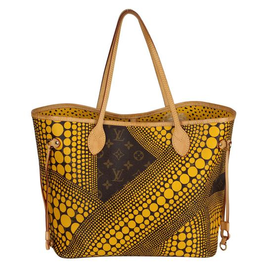 Preload https://img-static.tradesy.com/item/23939706/louis-vuitton-neverfull-yellow-monogram-kusama-waves-mm-6475-brown-canvas-tote-0-6-540-540.jpg