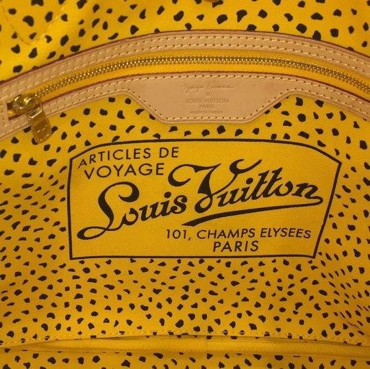Louis Vuitton Neverfull Kusama Monogram Limited Edition Classic Tote in Brown Image 9