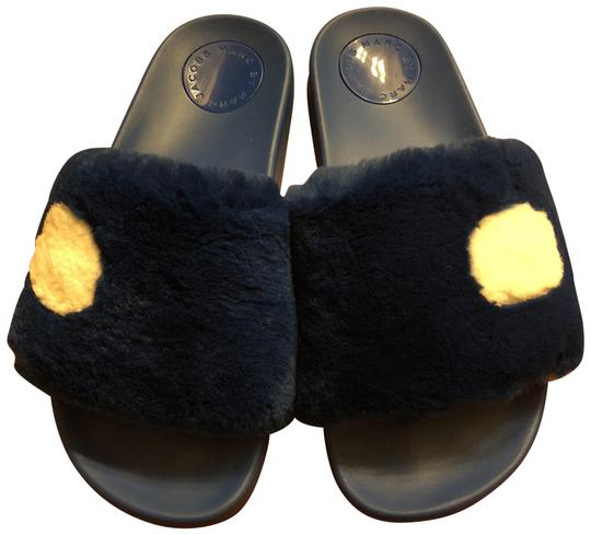 Preload https://img-static.tradesy.com/item/23939981/marc-by-marc-jacobs-blue-dot-fur-slides-sandals-size-us-5-regular-m-b-0-1-540-540.jpg
