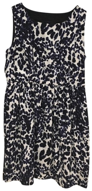Preload https://img-static.tradesy.com/item/23940310/zara-blue-white-animal-print-fit-and-flare-short-casual-dress-size-12-l-0-1-650-650.jpg