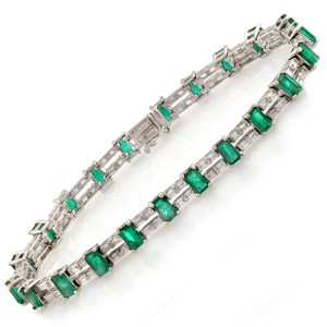 unbranded Colombian 7.30 CT Natural Emerald & 2.02 CT Diamonds 18K White Gold