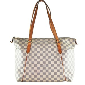 Louis Vuitton Artsy Mm Totally Canvas Tote in White