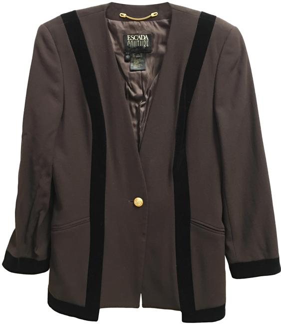 Preload https://img-static.tradesy.com/item/23942262/escada-brown-and-black-couture-blazer-size-8-m-0-1-650-650.jpg