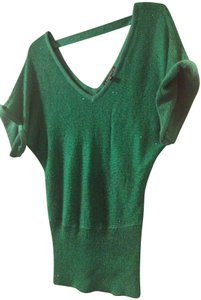 Private Label by G Top solid sequin green