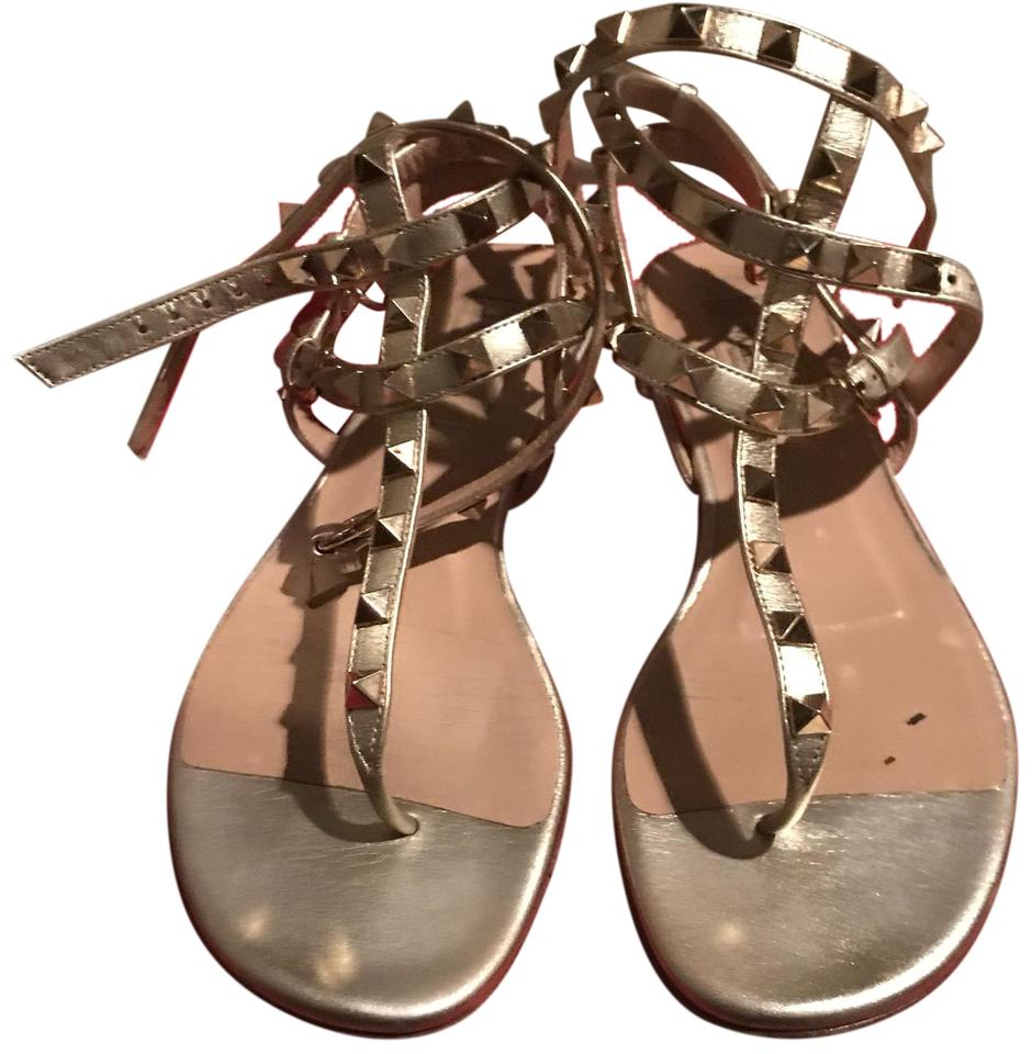 e984a211b08 Valentino Gold Rock Stud Thong Gladiator Sandals Size US 7 Regular ...