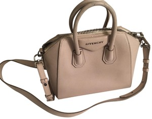 Givenchy Mini Bags - Up to 70% off at Tradesy eff34f6dd05d6