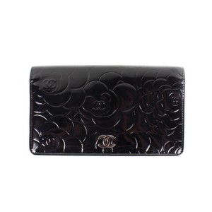 Chanel Chanel Camellia Wallet