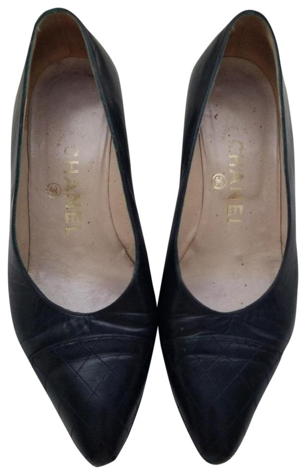 89112b2a285e2 Chanel Black Vintage Vtg Pointed Quilted Cap Toe Kitten Heel Pumps Size EU  36 (Approx. US 6) Regular (M, B)