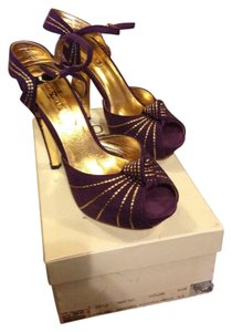 Arden B. purple passion Sandals
