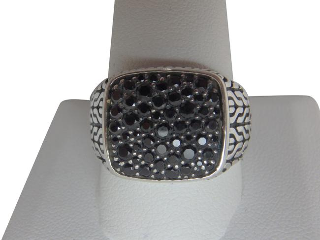 Item - Sterling Silver and Black Sapphire Classic Chain Signet Ring