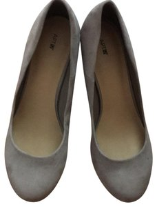 Apartment 9 grey ? Wedges