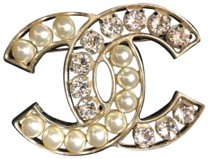 Chanel New In Box with Tag Large Chanel gold CC rhinestone CC Brooch