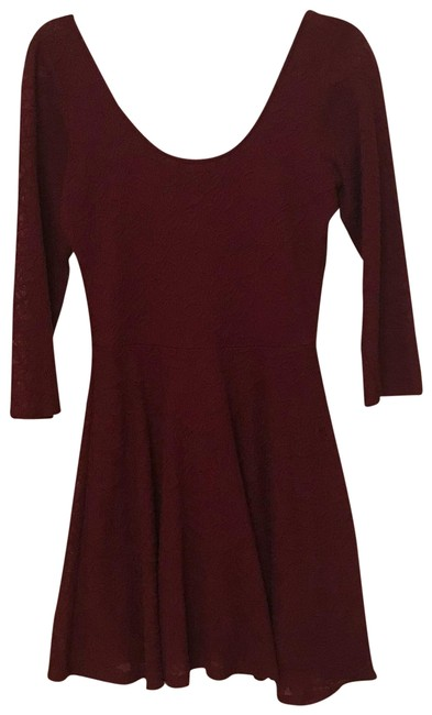 Item - Burgundy And Mid-length Cocktail Dress Size 12 (L)