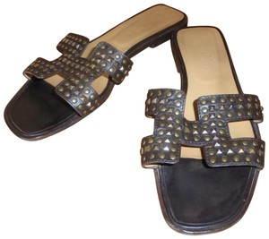 Hermès PATENT LEATHER WITH METAL STUDS Flats