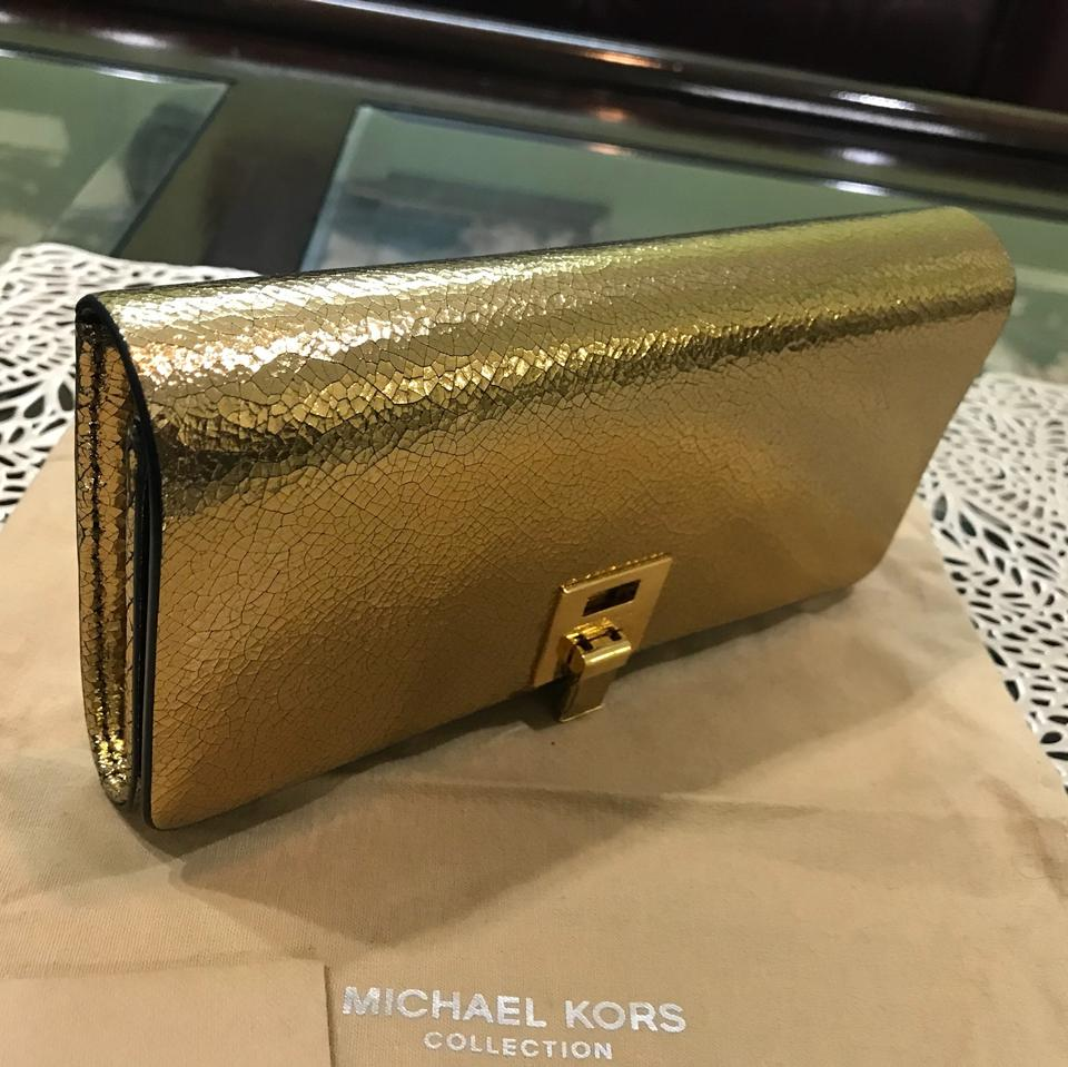 a3a6099fba35 Michael Kors Collection Michael Kors Collection Bancroft crackled metallic  leather wallet Image 9. 12345678910