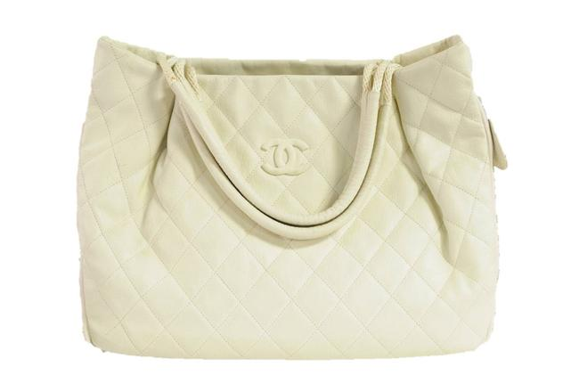 Item - Bag Large Quilted 2009 White Leather Tote