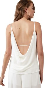 Finders Keepers Lowcut Top white