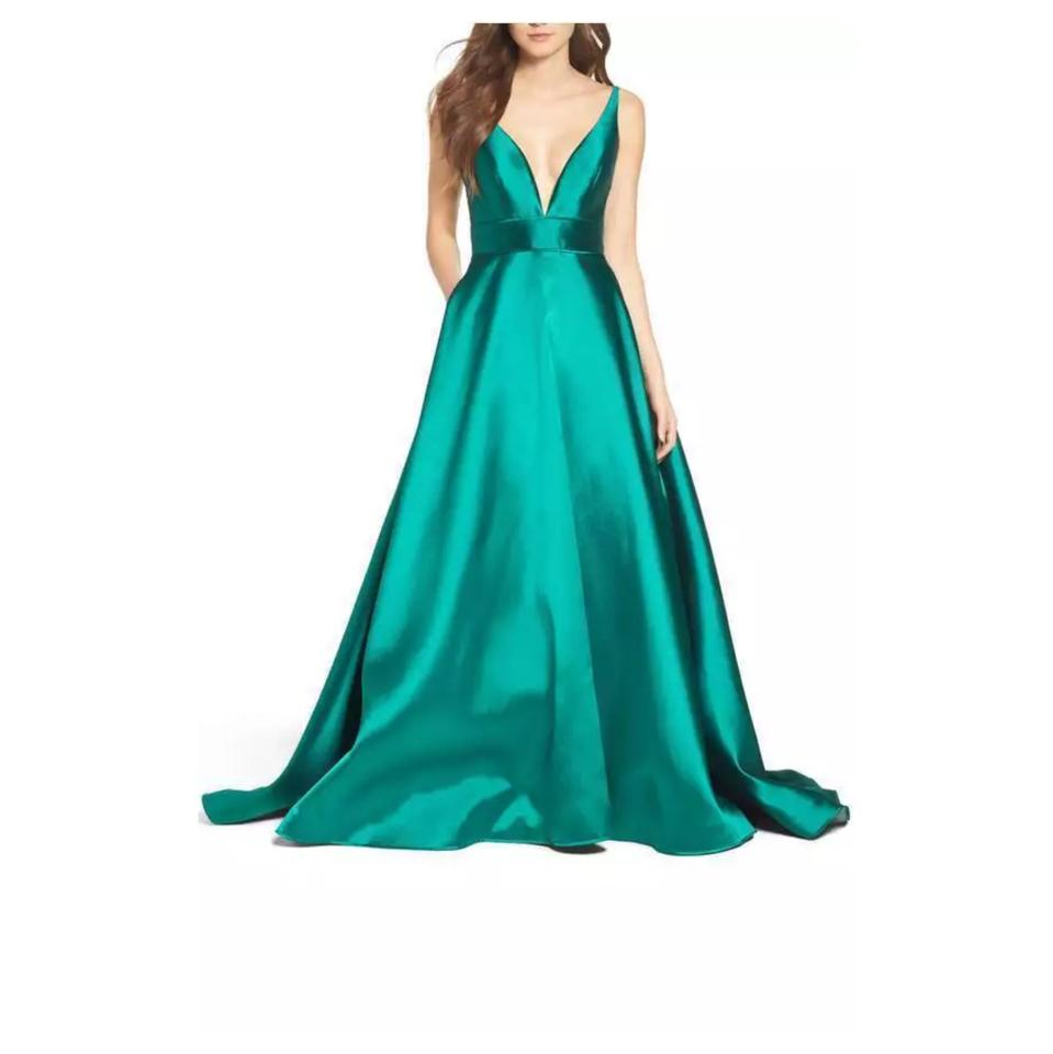 Mac Duggal Couture Emerald Plunging V Neck Ballgown Long Formal ...