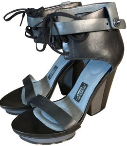 Tsubo Timoweiland Chunky Heel Black and Grey Wedges