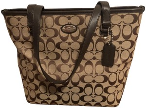 Coach Tote in Tan & Brown
