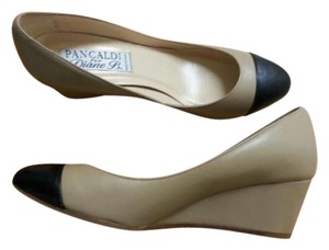 Pancaldi Beige/Black Wedges