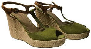Coconuts olive green Wedges
