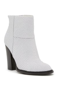 Chinese Laundry Lizzard Embossed Ankle White Boots