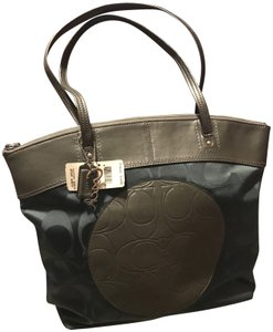 Coach Tote in Esmerald Green and Grey