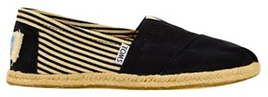 TOMS Slip-on Black Flats