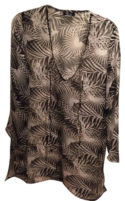Preload https://item5.tradesy.com/images/zebra-f-and-f-cover-upsarong-size-os-one-size-2396104-0-0.jpg?width=400&height=650