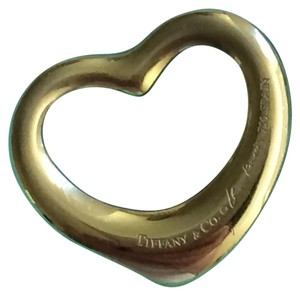 Tiffany & Co. Elsa Peretti Open heart pendant in 18k gold medium size