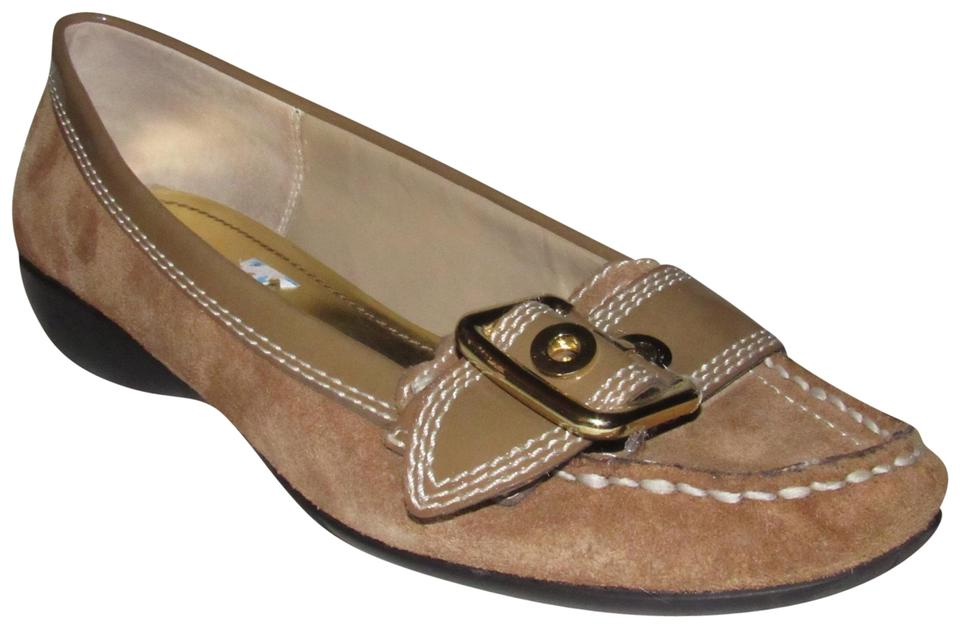 122a6c167d366b Etienne Aigner Tan Suede and Patent Leather with Gold Buckle Accent Shoes Designer  Flats
