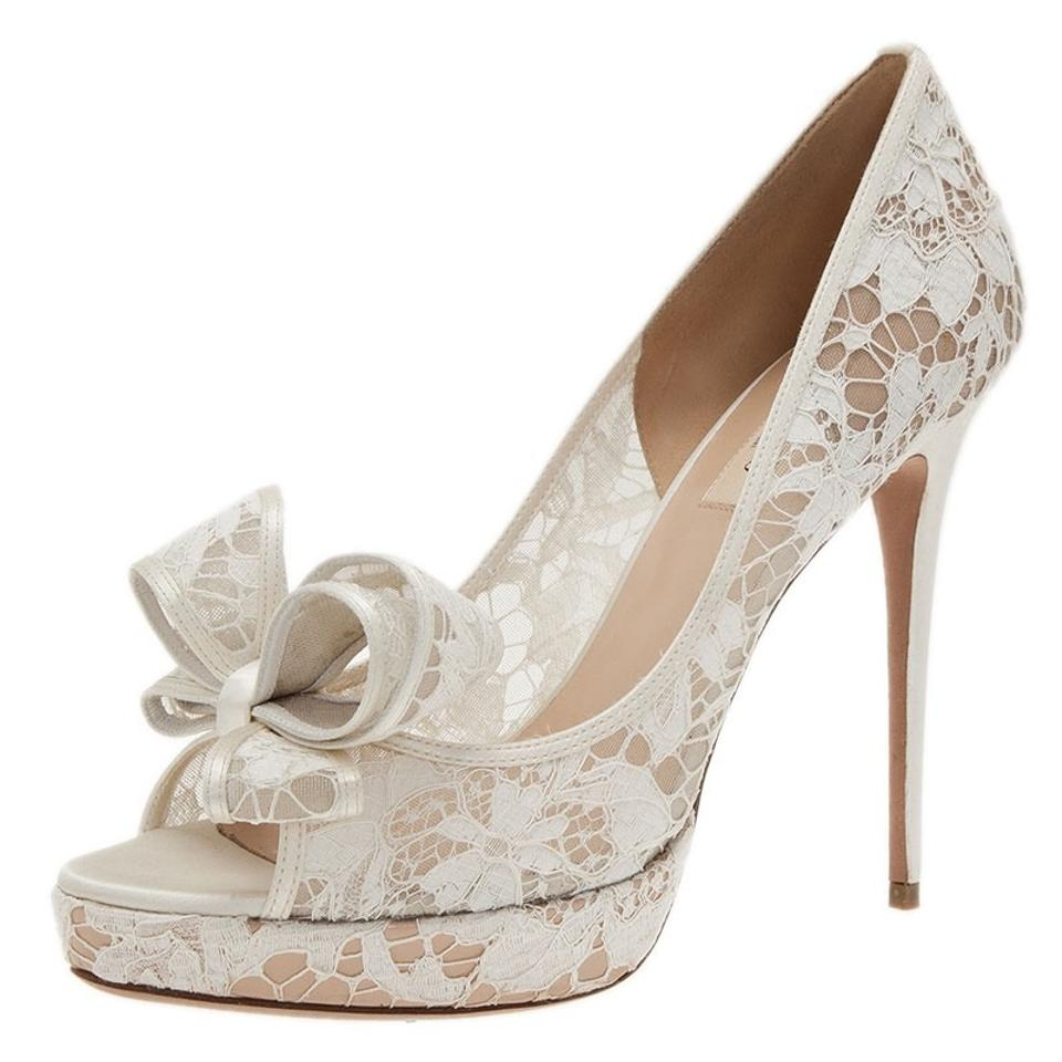 397cf36697c Valentino White Lace Couture Bow Pumps Size EU 37.5 (Approx. US 7.5 ...