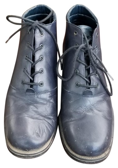 Preload https://item4.tradesy.com/images/damiani-s-navy-blue-lace-up-vintage-ankle-bootsbooties-size-us-7-regular-m-b-23964568-0-1.jpg?width=440&height=440