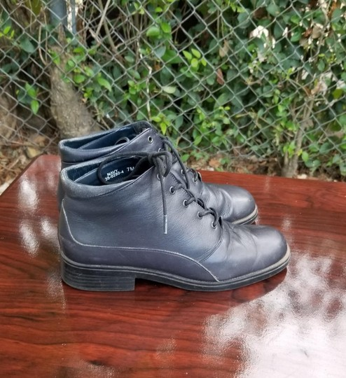 Damiani's Vintage Leather Navy Blue Boots