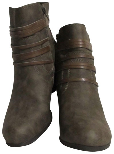 Preload https://item2.tradesy.com/images/madden-girl-brown-new-by-steve-3-inch-bootsbooties-size-us-85-regular-m-b-23964671-0-1.jpg?width=440&height=440