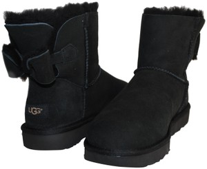 1e1ee690a33 UGG Australia Black New Naveah Mini Women with One Suede Bow On The  Boots/Booties Size US 9 Regular (M, B)
