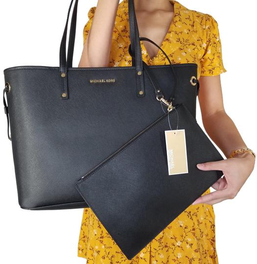 Preload https://item4.tradesy.com/images/michael-kors-mk-drawstring-reversible-shoulder-with-pouch-black-tote-23964848-0-1.jpg?width=440&height=440