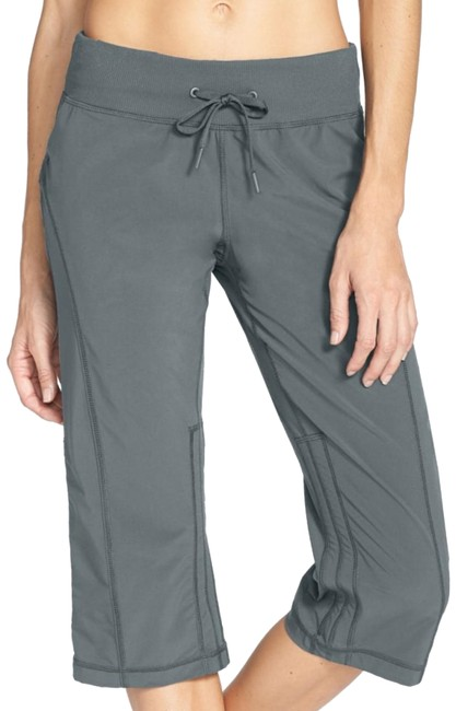 Preload https://img-static.tradesy.com/item/23964896/zella-grey-work-it-flex-fit-yoga-pants-activewear-capriscrops-size-2-xs-0-1-650-650.jpg