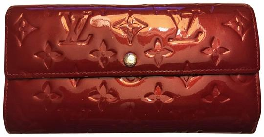 Preload https://item4.tradesy.com/images/louis-vuitton-red-classic-vernis-monogram-bi-fold-wallet-23964938-0-1.jpg?width=440&height=440